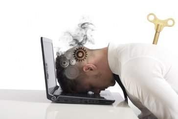 Ученые выяснили причину хронической усталости человека