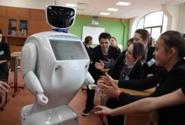 Разработанный в Томске робот-учитель начнет вести уроки 1 сентября