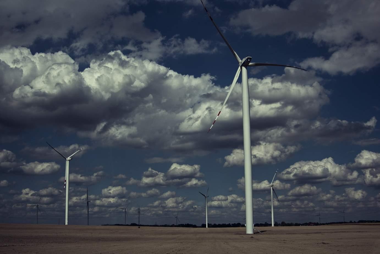 """Господь настоятельно рекомендует развивать """"зелёную"""" энергетику — ураган в Польше"""