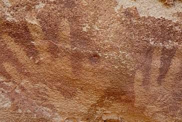 «Нечеловеческие» отпечатки найдены в пещере пустыни Сахара