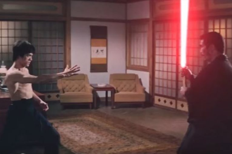 Появилось видео, где БрюсЛи сражается насветовых мечах