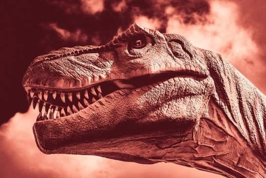 Эксперты: динозавры вымерли из-за столкновения карликовых планет
