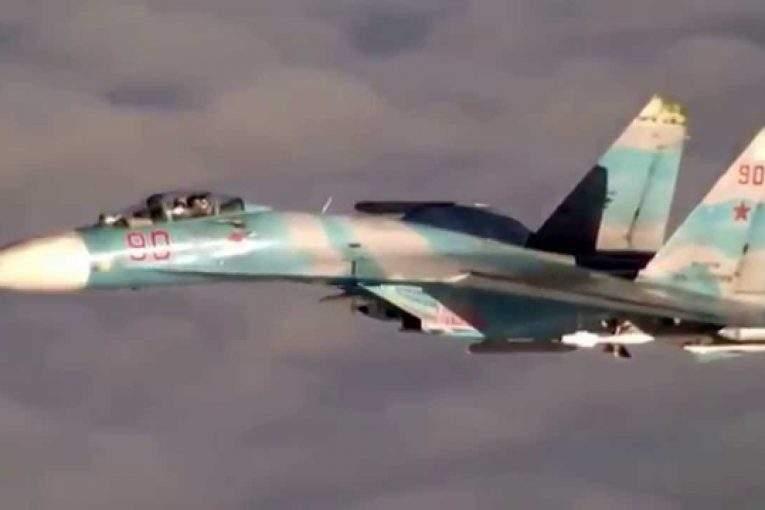 Размещено видео перехвата самолета-разведчика США над темным морем