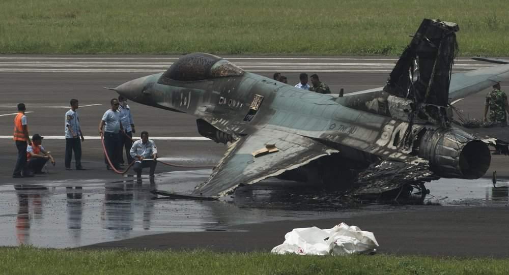 Уамериканского истребителя вЯпонии вполете зажегся мотор