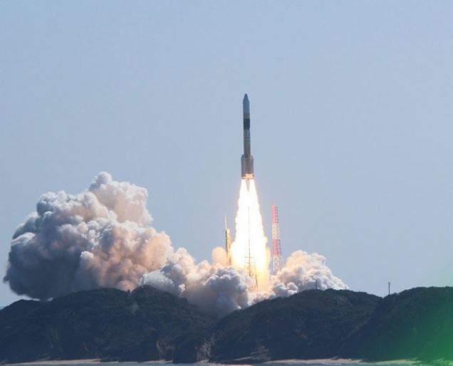 Япония благополучно запустила ракету с новым разведывательным спутником