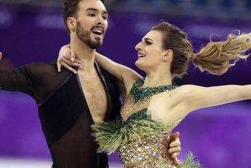 Во время выступления на Олимпиаде французская фигуристка оголила грудь