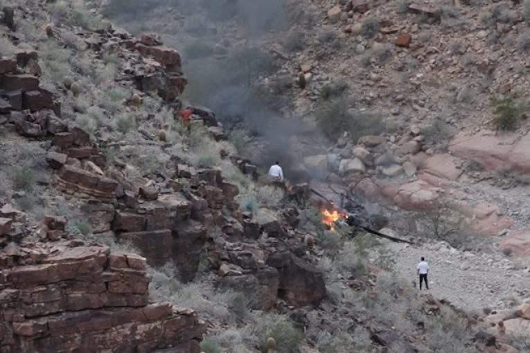 В огромном каньоне разбился туристический вертолет, есть жертвы