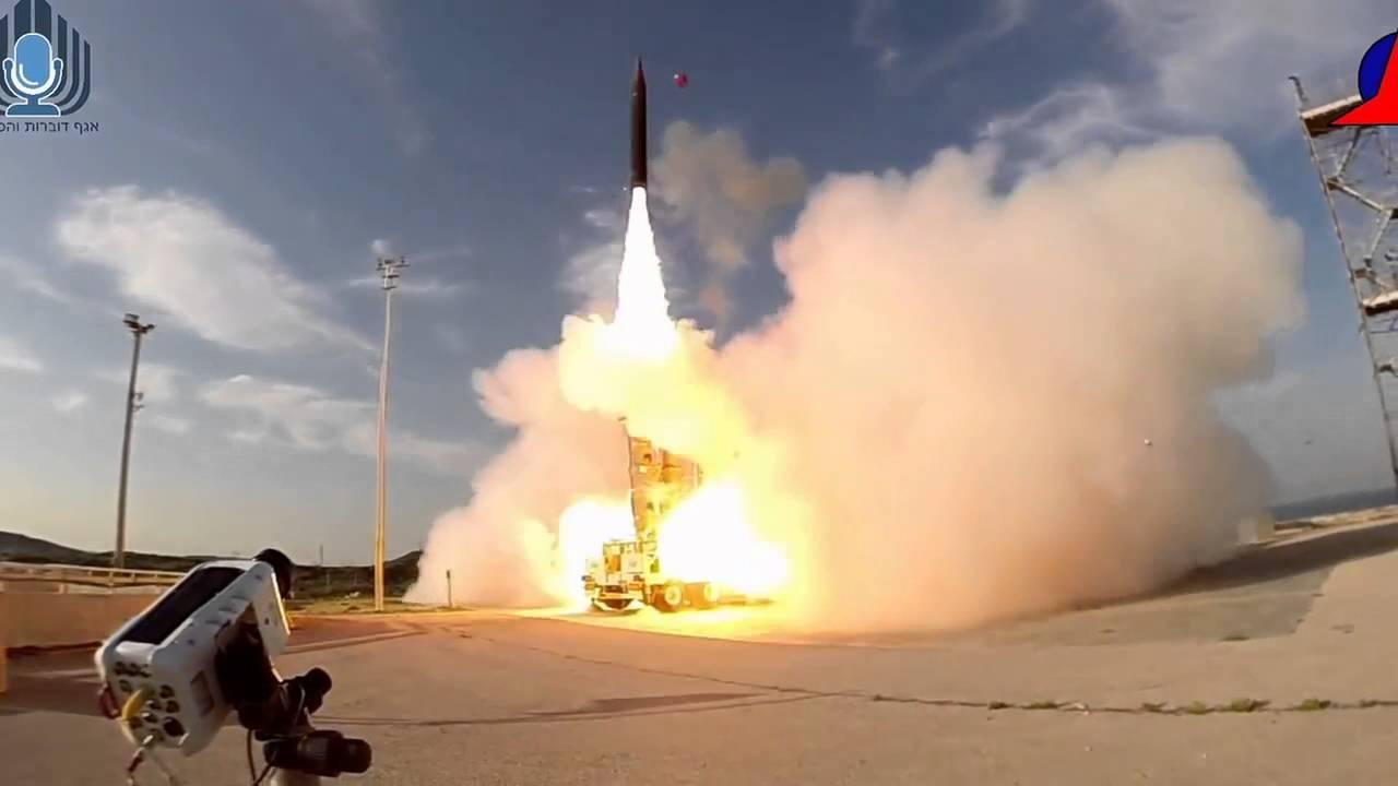 Израиль начал перехватывать баллистические ракеты вкосмосе