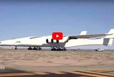 На видео показано испытание самолета с самым большим размахом крыльев в мире