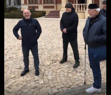Кадыров продемонстрировал  впрямом эфире объявленного врозыск Шаа Турлаева