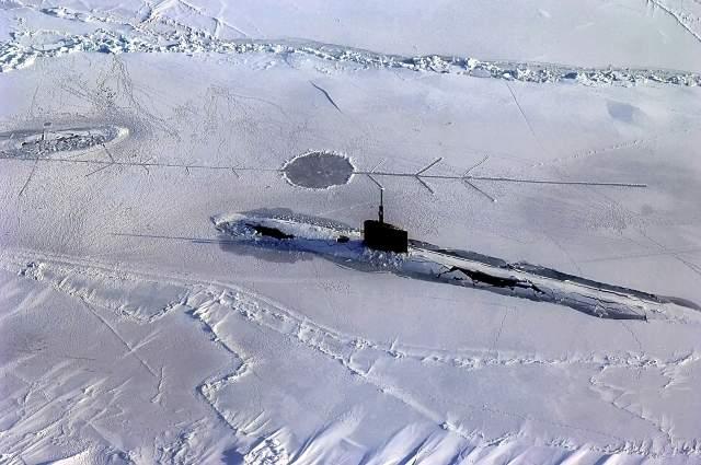 Арктический лед приостановил подлодку США, отрабатывавшую ракетный удар по Российской Федерации
