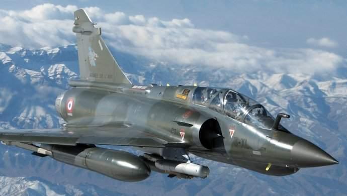Елисейский дворец обнародовал видео вылета ВВС для удара поСирии