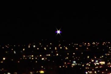 В небе над Лас-Вегасом заметили пульсирующий НЛО