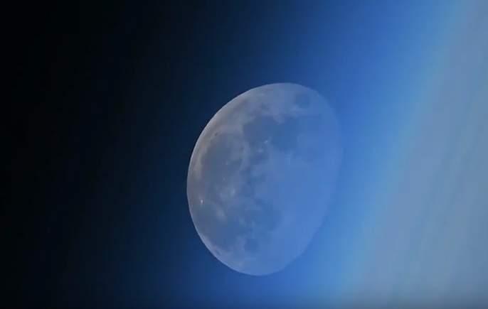 Луна пропадает вкосмическом закате: ошеломляющее видео сМКС