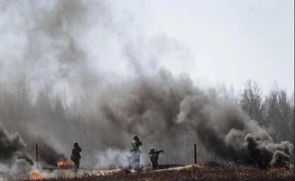 Русский репортер получил ранения при обстреле вДонбассе