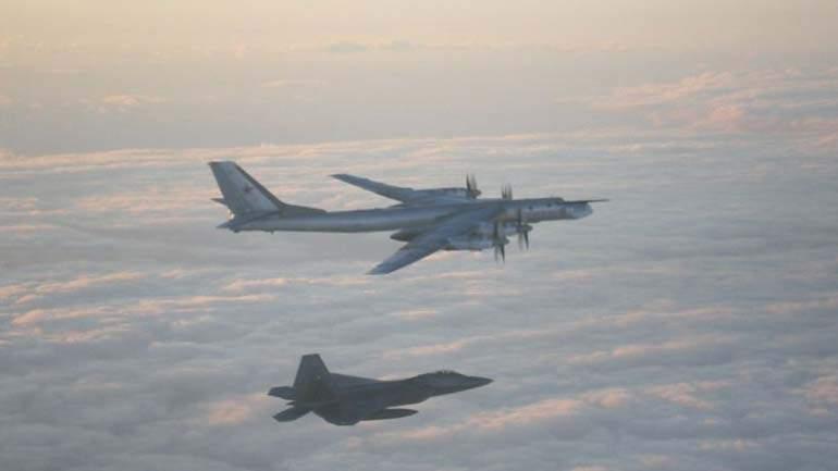 ВМинобороныРФ поведали  одействиях сопровождавших Ту-95 пилотов F-22