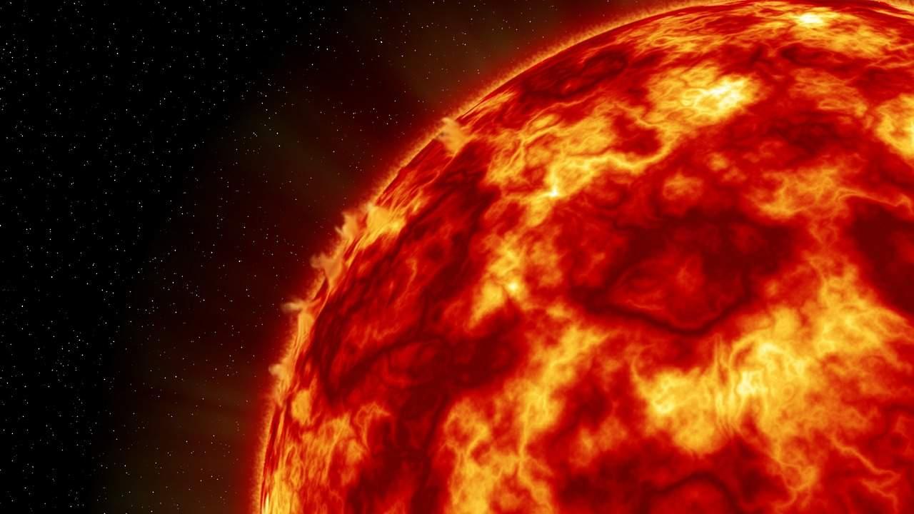 Уфолог: Исчезновение темных пятен говорит о скорой гибели Солнца