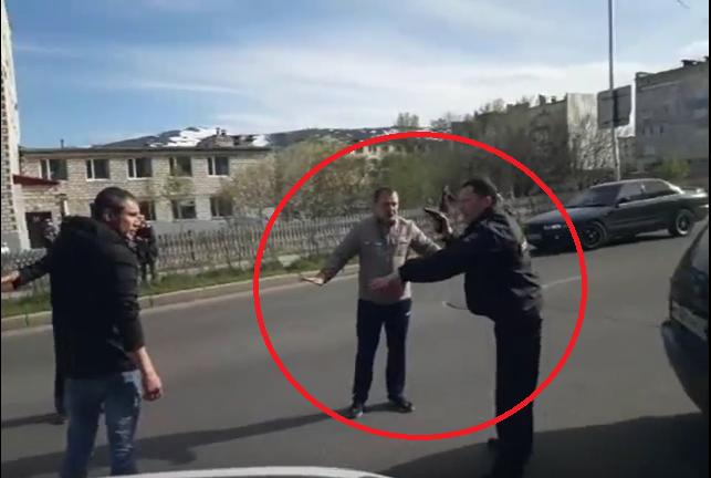 Таджикского подполковника обвинили в пытках и избиении военнослужащего