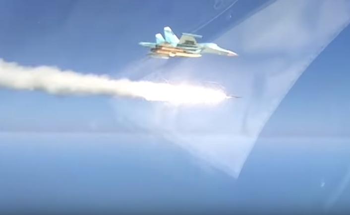 Показали мощь: Су-34 уничтожил корабль вКаспийском море прямым попаданием ракеты
