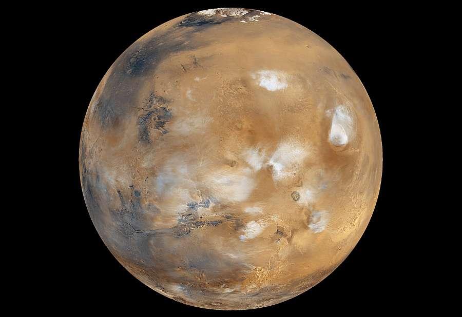 Агентство NASA показало, как песчаная буря меняет имидж Марса