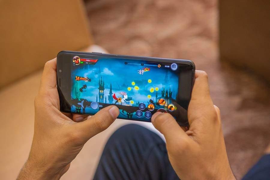 Инсайдеры: Самсунг готовит выпуск игрового телефона