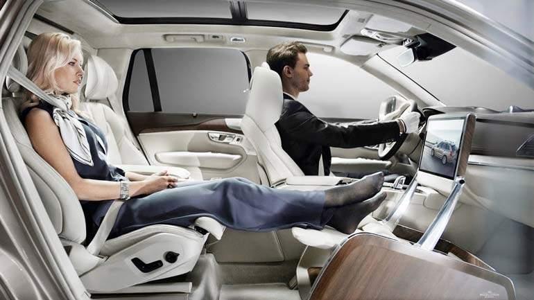 Российские дилеры Volvo открыли предзаказ на внедорожник XC90 в люксовой версии