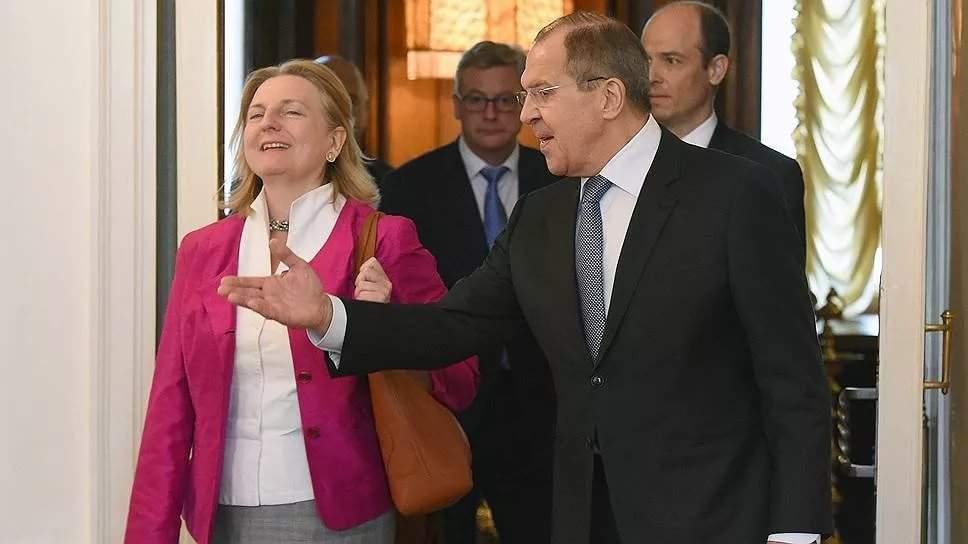Песков: Путин подготовил подарок насвадьбу руководителя МИД Австрии