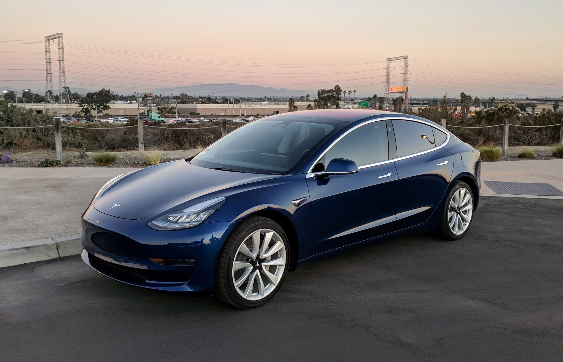 Помнению экспертов, модель Tesla Model 3 стала убыточной