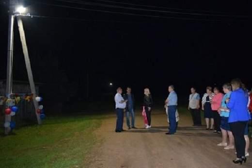 Глава района обматерил людей во время торжественного открытия фонаря в селе
