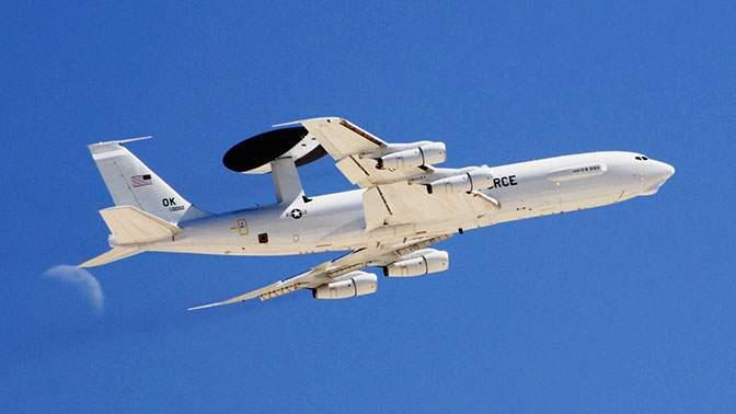 Неопознанный самолёт едва неспровоцировал столкновение над Японским морем