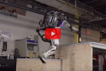 Робот Atlas освоил движения паркура