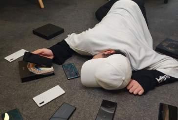 Xiaomi показала на фото флагманский смартфон-слайдер Xiaomi Mi Mix 3