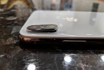 Владельцы iPhone XS и XS Max массово жалуются на трещины в камере