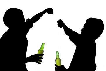 Подростковый алкоголизм — как определить и бороться?