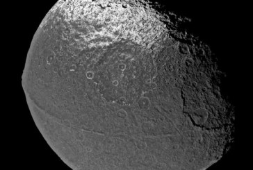 Уфологи назвали спутник Сатурна Япет творением инопланетян