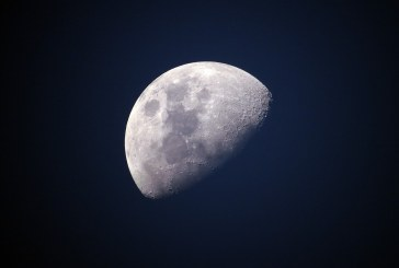 Уфолог нашел на Луне треугольный памятник пришельцев