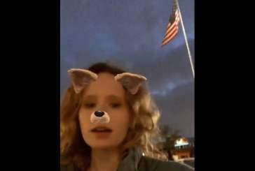 Монеточка спела гимн СССР на фоне американского флага