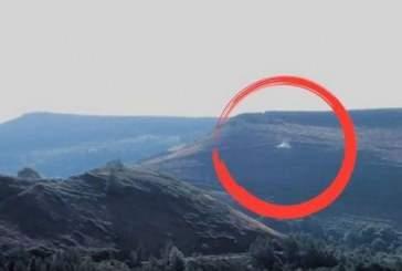 В Великобритании дрон запечатлел полет НЛО вблизи общины Сайммер