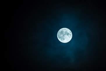 Ученые не могут объяснить природу происхождения загадочных вспышек на Луне