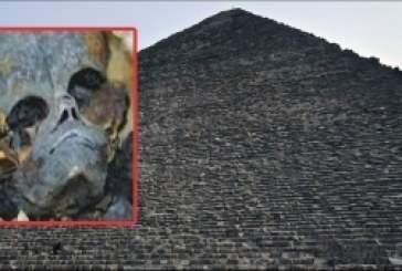 Египтологи обнаружили в пирамиде Хеопса живого пришельца