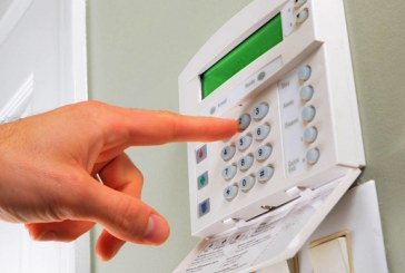 Почему установку домофонов, систем наблюдения и дверей лучше доверять профессионалам?