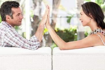 Специалисты назвали несколько причин почему женщины живут дольше мужчин