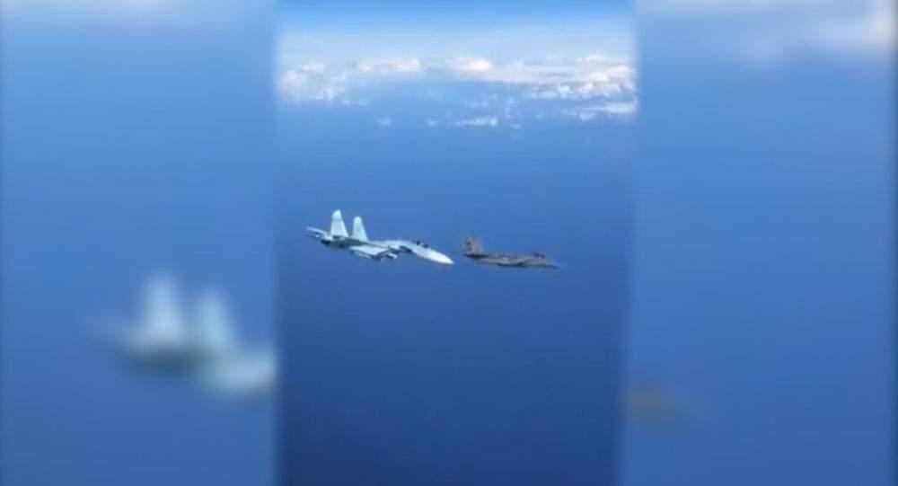 Российские самолёты пять раз поднимались в воздух на перехват у границ