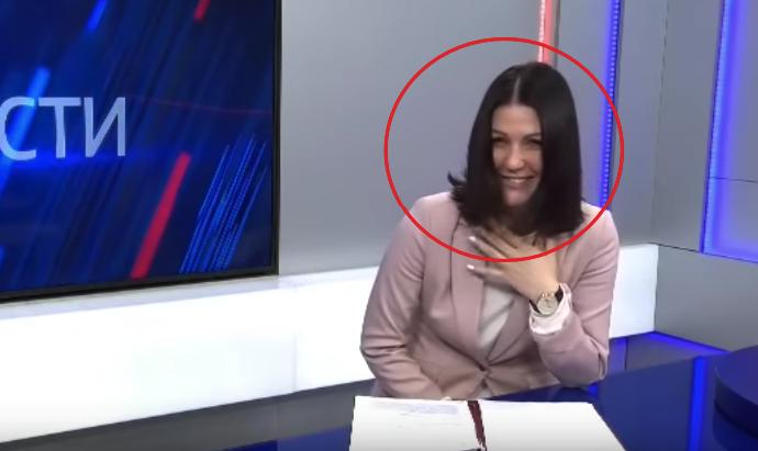 Рассказывающая о льготах в России ведущая не сумела удержаться от смеха