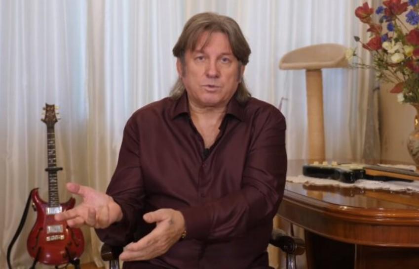 Пугачева вшляпке, потерянный Галкин: появились фото спохорон Кальянова
